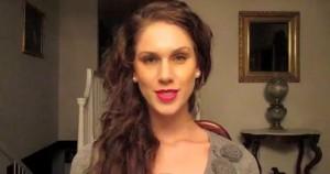 "Cassandra Bankson, star di YouTube: ""Ho due vagine"""