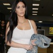 Kim Kardashian e l'abito aderente bianco FOTO 6