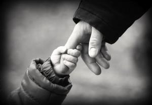 Adozioni: ai figli il diritto a conoscere il nome della madre naturale