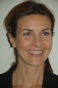 Alessandra Moretti firma tutto: la petizione pro famiglie e quella pro gay