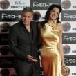 George Clooney e Amal Alamuddin in oro incantano i fan a Tokyo FOTO 3