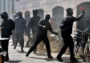 Soros dietro i black-bloc? No, solo luddisti anti-globalizzazione, Giuseppe Turani