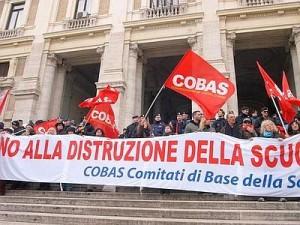 """Scuol, Cobas sfidano Garante Scioperi: """"Due giorni blocco scrutini"""""""