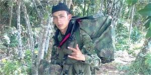 Colombia, gamba di un soldato saltato su mina esibita come trofeo