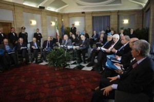 Pensioni. Negando la sentenza sulla rivalutazione, Renzi abolirebbe lo Stato di diritto