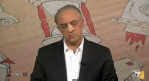 """Maurizio Crozza: """"La Grecia presto in vendita su Amazon"""". Poi imita De Luca VIDEO"""