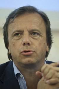 """Diego Volpe Pasini: arrestato per omesso versamento Inps """"spin doctor di Berlusconi"""""""