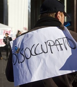 """Istat: più lavoro, ma solo per i """"vecchi"""". Disoccupazione trappola per 2 anni"""