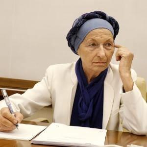 """Emma Bonino verso la guarigione: """"Dalle analisi sparita ogni evidenza di cancro"""""""