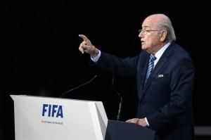 """Fifa, Blatter rieletto presidente. Fisco Usa: """"Nuove incriminazioni in arriv"""""""