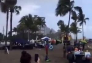 VIDEO YouTube - Vento in spiaggia in Florida solleva gonfiabile: 4 bimbi feriti