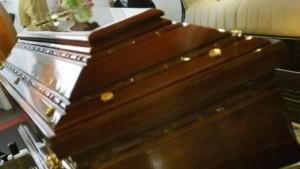 Funerali, governo cambia regole: tasse, cremazioni, trasporti. Tutte le novità