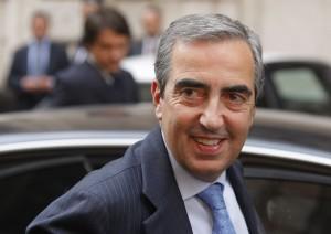 """Vitalizio a parlamentari condannati. Maurizio Gasparri: """"ServVitalizio a parlamentari condannati. Maurizio Gasparri: """"Serve legge, no delibera"""" e legge, no delibera"""""""