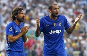 """Juventus, tifosi cantano: """"Chiellini mordi Suarez"""" VIDEO"""