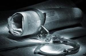 """Bavaglio ai giornalisti: serve una """"scorta"""" anche per le querele"""