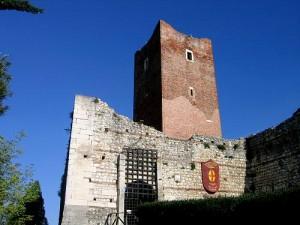 Innamorati si appartano nel castello di Giulietta e restano chiusi dentro