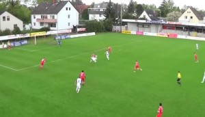 VIDEO YouTube - Stop di petto, rovesciata da fuori area e palla nel sette