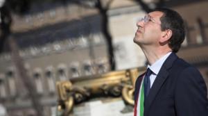"""Ignazio Marino: """"Coi giornali ci incarto le uova"""""""