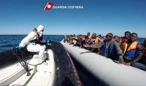 Immigrazione, 17 morti e oltre 4200 migranti salati al largo della Libia