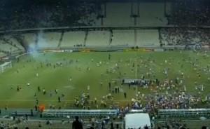 VIDEO YouTube: Brasile, finale Copa do Nordeste: mega rissa in campo tra tifosi