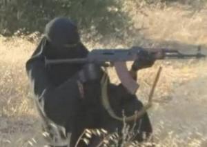 """Isis, il ruolo della vedova Umm Sayyaf: """"Arruolava schiave del sesso yazide"""""""