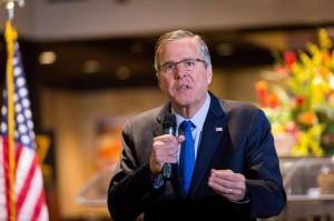 """Usa, Jeb Bush accusato in campagna elettorale: """"Suol fratello ha creato l'Isis"""""""