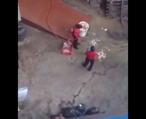 VIDEO YouTube - Kfc, ecco come vengono lavati i polli