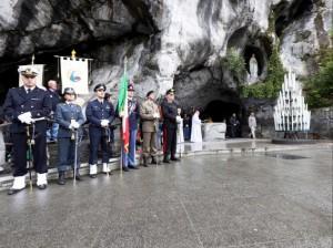 Lourdes, militari ubriachi alla festa: tra birra e acqua miracolosa