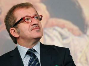 Lombardia, ipotesi reddito di cittadinanza: 700€ al mese ai più bisognosi