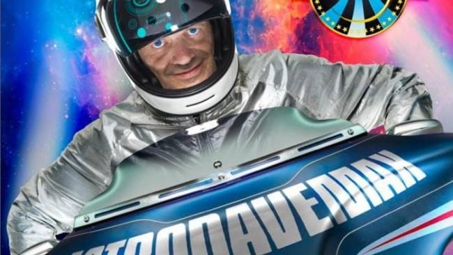 """Max Pezzali: svelata sul web copertina """"Astronave Max"""", l'ultimo suo disco"""
