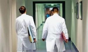 Straordinari non pagati da 6 anni (fanno 3 mld). Medici sfidano Governo