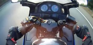 prova moto con gomme nuove, raggiunge i 200 km/h poi cade