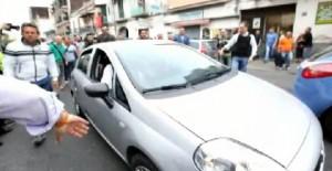 Napoli, Giulio Murolo si barrica e spara uccidendo 4 persone: VIDEO dell'arresto