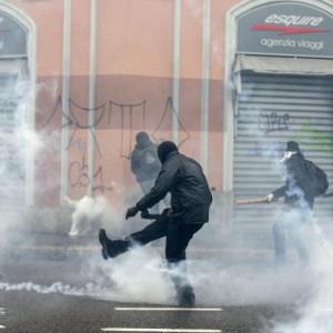 """No Expo, Roberto Maroni: """"Faremo causa a centri sociali. E Alfano ha sbagliato"""""""