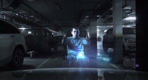 """VIDEO YouTube: ologramma disabile """"ferma"""" auto che parcheggia su posto disabili"""