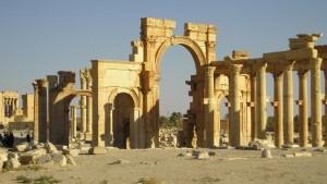 Isis vicino Palmira: uccisi 23 civili, 9 bimbi. A rischio sito patrimonio Unesco