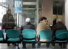 Pensioni, dipendenti pubblici battono privati: 1.772 al mese contro 1.026
