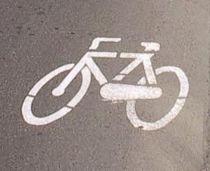 Sanremo, con il suv a 100 chilometri orari sulla pista ciclabile