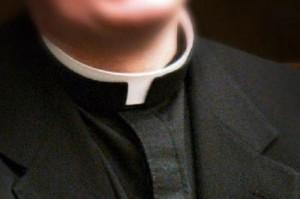 Prete pedofilo di Casalborsetti: pm chiede 9 anni. Vaticano lo espelle