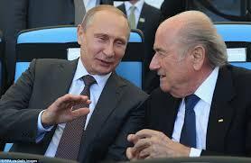 """Fifa, Putin la butta in politica: """"Sto con Blatter contro gli Usa"""""""