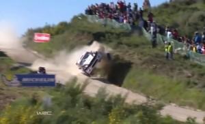 VIDEO YouTube - Rally, incidente spaventoso: auto fa salto mortale