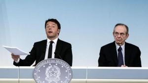 """Pensioni. Padoan contro i giudici: """"Dovevano valutare i costi"""". Renzi lo corregge"""
