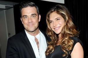 Robbie Williams e la moglie Ayda Field accusati di molestie sessuali