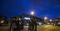 Auto con 3 rom a 180 km orari  per vie di Roma Morta donna