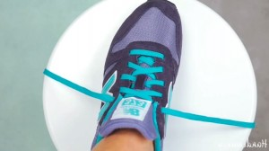 VIDEO YouTube - Come allacciare le scarpe in 2 secondi