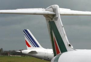 Alitalia: sciopero 25 maggio: stop di 24 ore di piloti e assistenti di volo (foto Ansa)