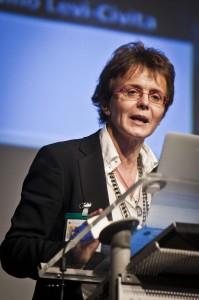 """Elena Cattaneo, lettera pro-sperimentazione: """"Non è crudeltà sugli animali"""""""