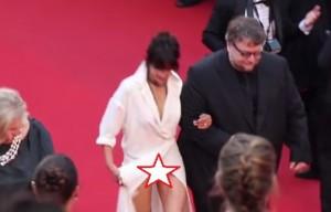 VIDEO YouTube, Sophie Marceau resta in slip a Cannes: ma non è stato incidente...