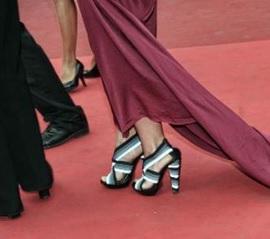 Cannes, polemiche sui tacchi: Emily Blunt dalla parte delle ballerine