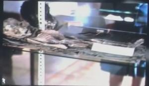 """VIDEO YouTube - """"Roswell, alieno? No, una mummia"""": ultima ricerca sulle immagini"""